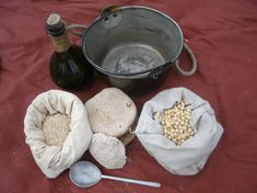century baking in colonial North America and instructions for how to make beer, maple sugar and other skills of the French and English colonists Bushcraft, Mountain Man Rendezvous, Longhunter, Fur Trade, War Of 1812, My Family History, Colonial America, How To Make Beer, Rustic Outdoor