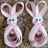Bunny hair bows for Easter. Easter Crafts, Holiday Crafts, Crafts For Kids, Diy Crafts, Hair Ribbons, Ribbon Bows, Hair Bows, Ribbon Hair, Hoppy Easter
