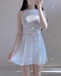 Korean Girl Fashion, Ulzzang Fashion, Korean Street Fashion, Kpop Fashion Outfits, Harajuku Fashion, Korean Outfits, Mode Outfits, Cute Fashion, Stylish Outfits