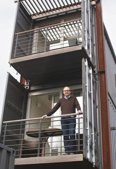 Container SA: 7 Two stories with Containers between 100 m² and 200 m²
