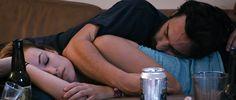 Looks like Jake Johnson and Olivia wilde had one too many beers!