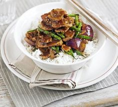 Pork, green bean & oyster stir-fry: A rich Asian dish of noodles or rice that's ready in 20 minutes - a wholesome midweek family supper Pork Recipes, Asian Recipes, Cooking Recipes, Chinese Recipes, Recipies, Chinese Food, Bbc Good Food Recipes, Healthy Recipes, Dinner Recipes