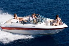 Avail Boat Rentals Services in Lake Powell for a Stress-free Vacation