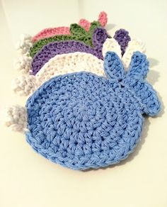 CuppaStitches: Bunny Coasters - free crochet pattern.