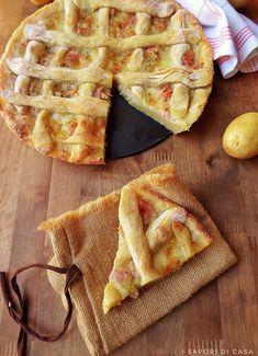 Crostata di patate con prosciutto e mozzarella Strudel, Good Food, Yummy Food, Magic Recipe, Muffins, Salty Cake, Cooking Recipes, Healthy Recipes, Specialty Foods