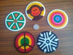 Round designs that can be used as coasters // Diseños circulares que pueden usarse como posavasos