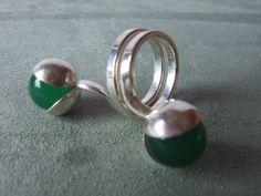 Kupittaan Kulta Sterling Silver and Kinetic Green Chrysoprase Orb Ring #EB232