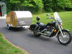 Home-built Teardrop Trailer made for towing with a Honda Sha.- Home-built Teardrop Trailer made for towing with a Honda Shadow motorcycle - Motorcycle Camper Trailer, Pull Behind Motorcycle Trailer, Motorcycle Campers, Motorcycle Travel, Motorcycle Garage, Bike Trailer, Honda Shadow, Homemade Motorcycle, Teardrop Trailer