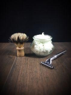 Shaving cream made with shea butter from the Thermomix vegan - Makeup Tips Diy Makeup, Makeup Tips, Schaum, Shaving Cream, Diy Beauty, Cosmetics, Food, Vegan Butter, Zero Waste