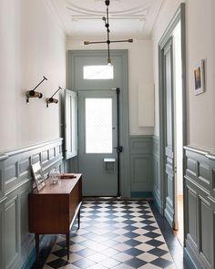 Instagram White Walls, White Hallway, Entry Hallway, Entrance Hall, Black And White Tiles, Entry Way Tile, Tile Entryway, Entrance Lighting, Entryway Flooring