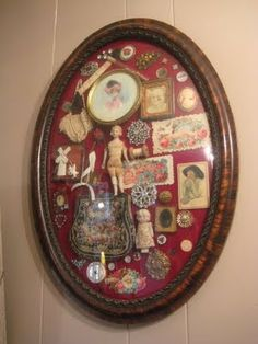 """An old frame turned into a shadow box of memories. I know I have a lot of little """"junks"""" to fill up one or two of my old frames:) Diy And Crafts, Arts And Crafts, Do It Yourself Inspiration, Deco Originale, Old Frames, Antique Frames, Displaying Collections, Assemblage Art, Vintage Crafts"""