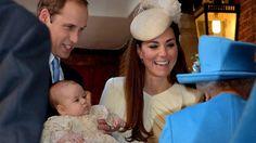23. Oktober 2013, #England: #Prinz #William und #Kate mit ihrem Sohn #George. Er wurde heute in St. James's Palace in #London getauft. (Foto: dpa) http://www.noz.de/artikel/422854/