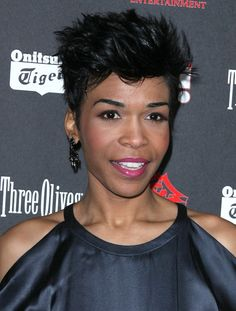 Michelle Williams short sculpted hairstyle