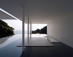 Today we're taking a small trip to Japan, to meet the work of a great minimalist Japanese architect Katsufumi Kubota and more precisely the T-House, a housing project located in Kanagawa prefecture southwest of Tokyo. Space Architecture, Residential Architecture, Minimal Architecture, Kubota, Deco Design, Cool Pools, Outdoor Spaces, Interior And Exterior, Construction