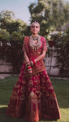 Wedding Lehenga Designs, Designer Bridal Lehenga, Indian Bridal Lehenga, Red Lehenga, Indian Bridal Outfits, Indian Bridal Fashion, Indian Bridal Wear, Indian Designer Outfits, Indian Dresses