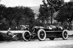 Alfa Romeo, Belgian Grand Prix, Italian Words, Formula 1 Car, Classic Sports Cars, Vintage Racing, Le Mans, Vintage Photos, Race Cars