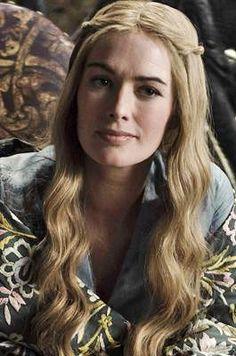 Der Lannister-Clan: CERSEI BARATHEON (Lena Headey) - geb. Lannister, ist die Frau des amtierenden Königs Robert – und ein Biest!