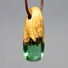 특수목과 레진을 사용해 만드는 악세사리 wood resin jewelry, design, necklace, wooden pendant Wooden Jewelry, Resin Jewelry, Jewelry Gifts, Wood Resin, Resin Art, Native Brand, Bone Carving, Trendy Jewelry, Gifts For Women