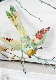 of the Week Starring Thistlewood Farm and Your Free Graphic of the day All in one a fabulous tutorial on how to create these winged beauties.a fabulous tutorial on how to create these winged beauties. Paper Birds, Fabric Birds, Paper Flowers, Felt Birds, Paper Toy, A4 Paper, Deco Originale, Bird Crafts, Arts And Crafts