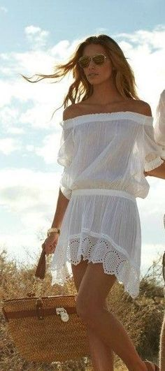Off shoulder lace summer dress with Rayban