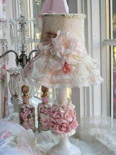 Rosy romantic lampshade