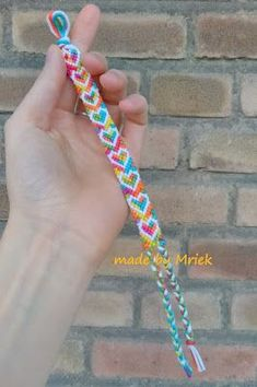Knot with you - Friendship bracelet 7 - Hearts Floss Bracelets, Diy Bracelets Easy, Friend Bracelets, Summer Bracelets, Bracelet Crafts, Cute Bracelets, Macrame Bracelets, Handmade Bracelets, String Bracelets