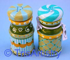 """Hand Painted Beach Salt & Pepper Shakers by TrisArtistry on Etsy, $27.00 https://www.etsy.com/listing/168411173/hand-painted-beach-salt-pepper-shakers  Follow me at www.facebook.com/TrisArtistry  Kindly """"like"""" my page See more of my work at www.etsy.com/Shop/TrisArtistry & www.TrisArt.net.."""