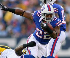 ORCHARD PARK, NY - AUGUST 25: Fred Jackson #22 of the Buffalo Bills runs against the Pittsburgh Steelers at Ralph Wilson Stadium on August 25, 2012 in Orchard Park, New York. (Photo by Rick Stewart/Getty Images)