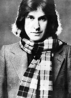 Ray Davies. Kinks. Perhaps the greatest English songwriter of British pop. With all due respect to John and Paul.