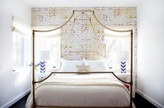 28 Stunning Wallpaper Ideas Your Home Needs - http://freshome.com/fun-wallpaper-ideas/