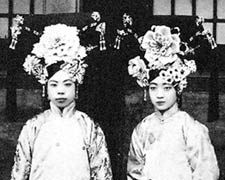 (L-R) Emperor Puyi's concubine, Wenhsui and Empress Wanrong of China