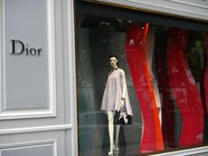 Vitrine Dior Hermes, Dior, Gucci, Display Cases, Lush, Dior Couture
