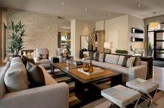salon marron beig, table en marron clair et foncé et mobilier beige