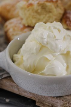 Want to know how to whip cream in a Thermomix? Our simple tips and recipe have got you covered and will have you on your way to beautifully whipped cream in no time! Wipped Cream, Coconut Whipped Cream, Coconut Flakes, Easy Meals, Spices, Baking, Recipes, Simple, Tips