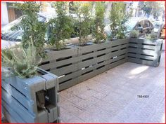 Wood Pallet Fence, Diy Fence, Backyard Fences, Wooden Pallets, Garden Fences, Euro Pallets, Fence Ideas, Backyard Ideas, Outdoor Pallet