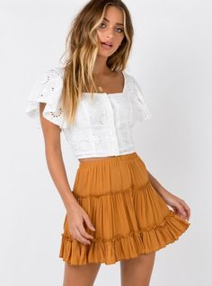 Meraki Mini Skirt Mustard - front view You are in the right place about back to college outfits Here Cute Summer Outfits, Girly Outfits, Cute Casual Outfits, Outfits For Teens, Spring Outfits, Fashion Outfits, Womens Fashion, Cute Outfits With Skirts, Mini Skirt Outfits