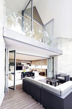 Interior design ideas, home decorating photos and pictures, home design, and contemporary world architecture new for your inspiration. Home Interior, Interior Architecture, Interior And Exterior, Interior Decorating, Interior Ideas, Interior Balcony, Balustrades, Design Moderne, Beautiful Interiors