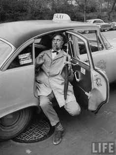 Le Ridicule ne tue pas :) (Jacques Tati in NY)--he had a certain Peter Sellers comedic air.