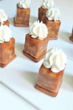 Revisited tarte tatin sweets - Olivia Pâtisse x Pixcake Recipe Small Desserts, Mini Desserts, Plated Desserts, Raw Food Recipes, Dessert Recipes, Desserts With Biscuits, Waffle Bar, Gourmet Breakfast, Dessert Buffet
