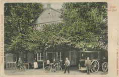 Logement en koffiehuis van Gemert in Best, waar ook de halte was van de postkoets tussen Oirschot en Best was. 1905. Foto J. Bijnen.  Klik op de afbeelding voor het hele verhaal!