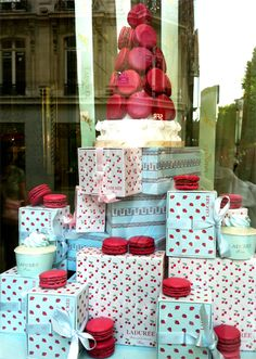 Ladurée macarons in cherry design boxes Laduree Paris, Store Window Displays, Decadent Cakes, Office Christmas, Joy And Happiness, Cake Shop, Food N, Packaging, Box Design