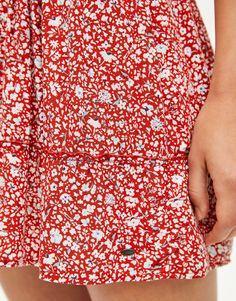 a7bed9363 49 mejores imágenes de Faldas rojas en 2018