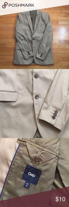 Gap Men's Cotton Blazer with Nylon Lining Khaki Color. Modern and tailored fit. 100% Cotton Blazer, 100% Nylon Interior. GAP Jackets & Coats