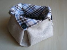 Suppose you have: How to make a basket? Sewing Hacks, Sewing Tutorials, Sewing Projects, Fabric Boxes, Fabric Storage, Fabric Basket Tutorial, Fabric Origami, Origami Bag, Patchwork Fabric