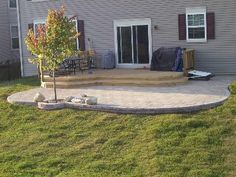 This is a great Paver Patio & Deck combination project located in Hoffman Estates, IL. Long & deep steps transition from the deck to the paver patio creating a open feel to the project. Brick Paver Patio, Patio Pergola, Brick Patios, Concrete Patio, Backyard Patio, Backyard Landscaping, Gravel Patio, Pergola Plans, Paver Edging