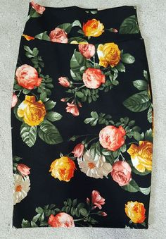 Lularoe Cassie Skirt Size XSmall Floral Print  Black Pencil Spring Vintage Rare #Lularoe #StraightPencil