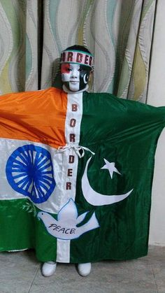 Indo pak border Indian Fancy Dress, Baby Fancy Dress, Baby Boy Dress, Fancy Dress For Kids, Fancy Dress Costumes Kids, Old Halloween Costumes, Halloween Kids, Fancy Dress Competition, Parrot Costume