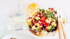 Mozzarella, Cobb Salad, Pesto, Salad Recipes, Salads, Food, Eten, Salad, Meals