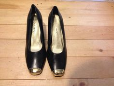 Women's Size 8 Slip on Heels Shoe Black Gold Toe Tip CARA MIA #soho #OpenToe