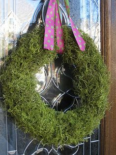 obsessed with wreaths. this is perfect for spring. joann fabrics run this weekend??